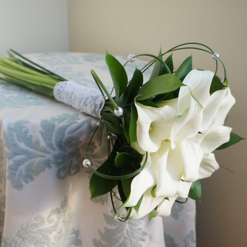 Свадебный букет из калл и роз фото, заказать цветы в макеевке с доставкой